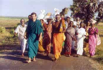 Patrick Harrigan with pilgrims on pada yatra in Sri Lanka